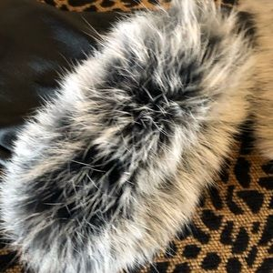 Accessories - Fashion black gloves with fur - New!